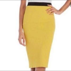 Les Copains stretch pencil skirt. Size 48/Large.